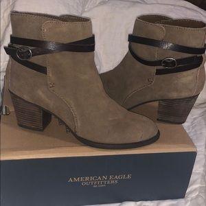 AE womens booties